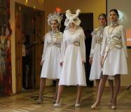 Сделать шикарный карнавальный костюм из подручных материалов? Легко!