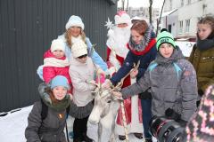 Дед Мороз, Снегурочка и… самый настоящий северный олень!