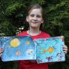 Искусство эбру: 8-летняя Алиса Старикова рассказывает, как рисовать на воде