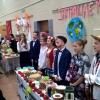 Славный праздник урожая школа радостно встречает!