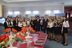 В Музее современной белорусской государственности торжественно вручили паспорта