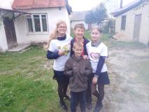 Ученики новогрудской школы № 7 помогают подшефным ветеранам