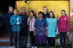 """Благотворительная акция """"Тепло наших сердец – вашим прожитым годам!"""" в Малоберестовицкой школе"""