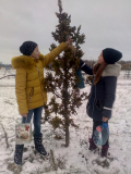 Воспитанники школы деревни Здитово активно помогают пернатым