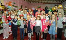 """У образцового кукольного театра """"Ялінка"""" осиповичской школы № 4 жемчужный юбилей"""