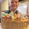 Никита Божко помог испечь аппетитный шедевр родителям на годовщину