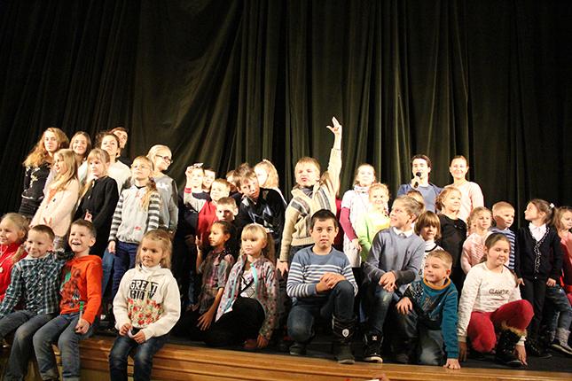 дети и артисты