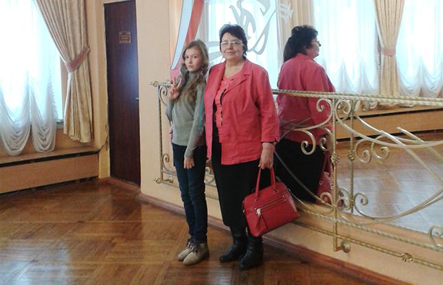 Ульяна Солонец с бабушкой