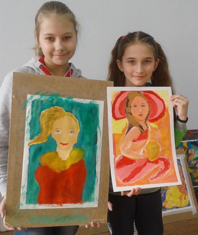 Юные художницы