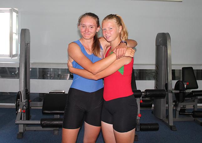 Настя и Арианна