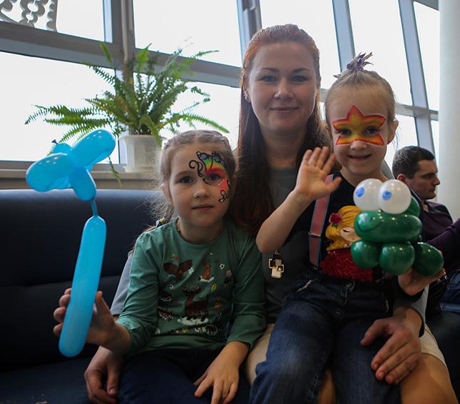 Ирина РУДАК с дочерьми Алиной и Верой