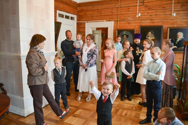 семья Апалько и Скобей на экскурсии