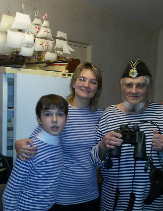 С внуком и дочкой
