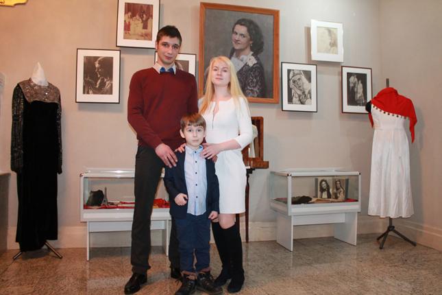 Праправнук с родителями