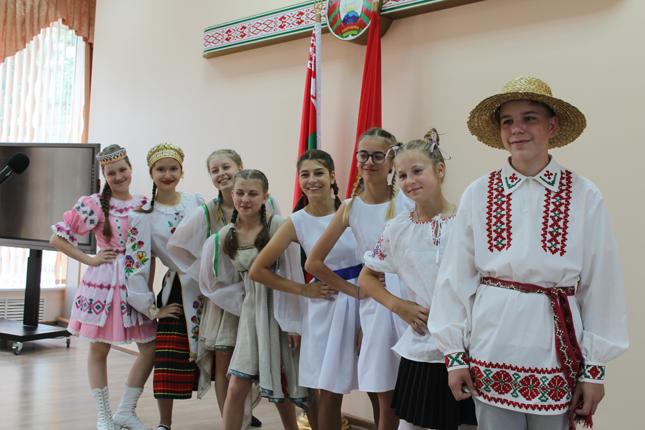 белорусы и белорусочки