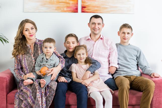Алексей Талай с семьёй
