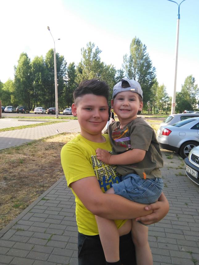 Дима и братик