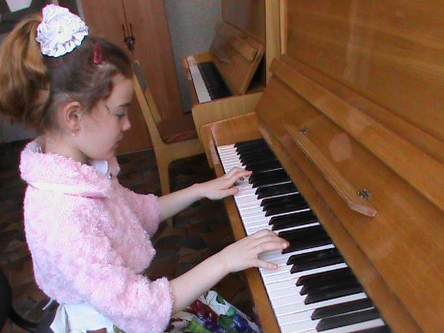 За фортепиано